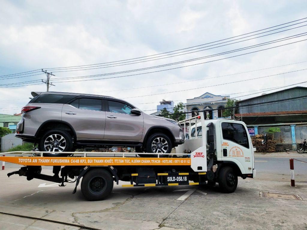 Toyota An Thành Fukushima giao xe mới