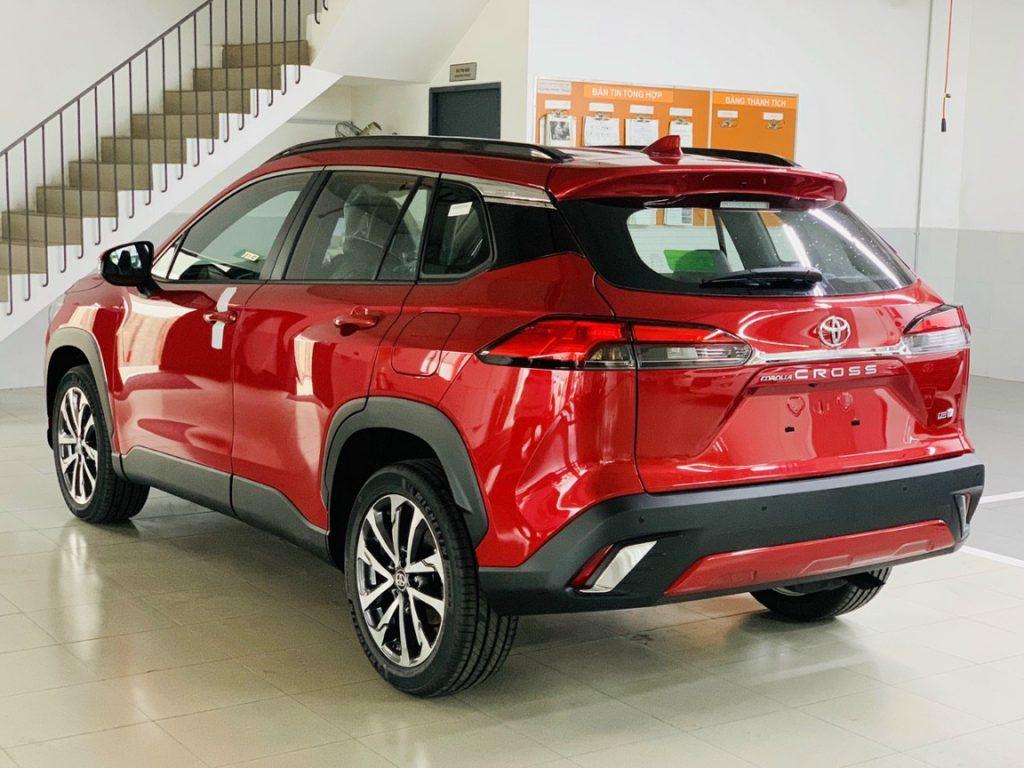 Toyota Corolla Cross V màu đỏ